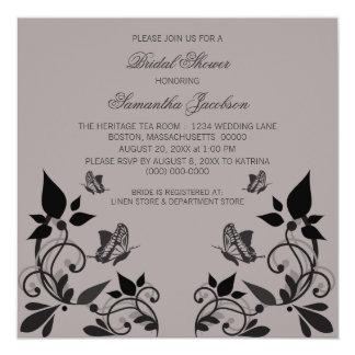 La ducha nupcial floral de la mariposa del ébano invitación 13,3 cm x 13,3cm