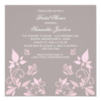 La ducha nupcial floral de la mariposa rosada invitación 13,3 cm x 13,3cm