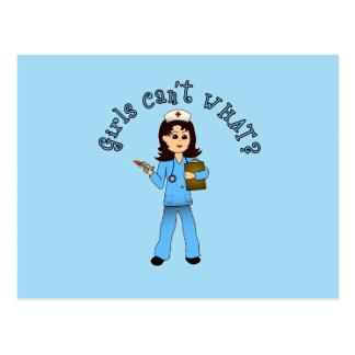 La enfermera en azul friega (la luz) postal