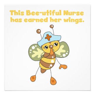 La enfermera ganó sus camisetas y regalos de las a invitacion personalizada