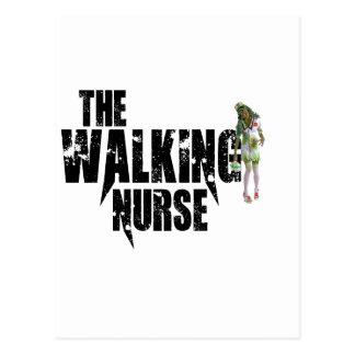 La enfermera que camina postal