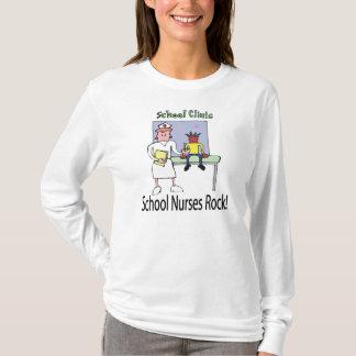 La escuela cuida la camiseta de la roca