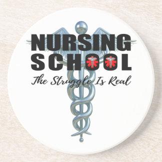 La escuela de enfermería la lucha es real posavasos