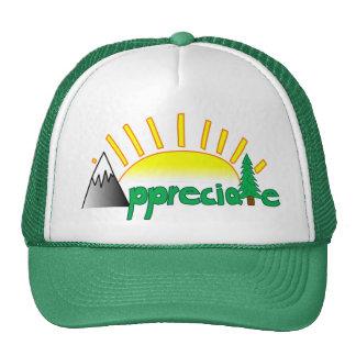 La escuela vieja aprecia el gorra