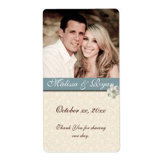 La etiqueta de encargo del vino del boda añade su etiqueta de envío