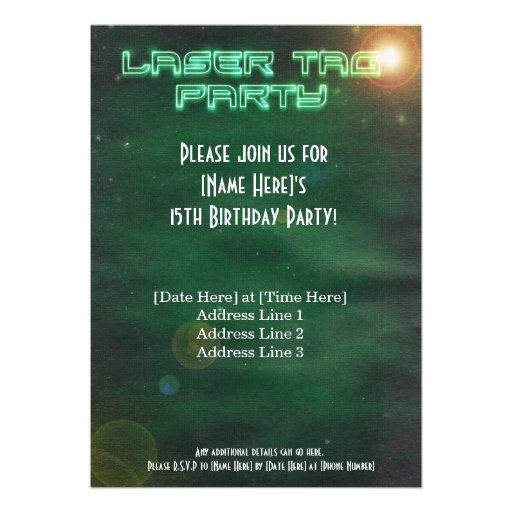 La etiqueta verde del laser invita comunicado personalizado