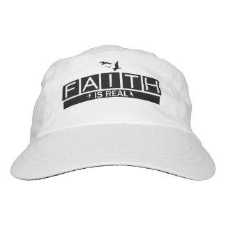La fe es real gorra de alto rendimiento