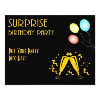 La fiesta de cumpleaños de la sorpresa invita al invitación 10,8 x 13,9 cm