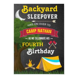 La fiesta de cumpleaños del Sleepover del patio Invitación 12,7 X 17,8 Cm