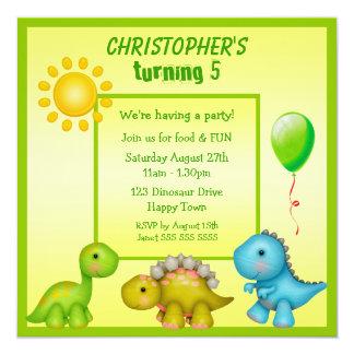 La fiesta de cumpleaños linda de los dinosaurios invitación 13,3 cm x 13,3cm