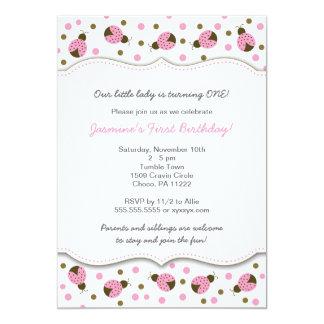 La fiesta de cumpleaños rosada de la mariquita invitación 12,7 x 17,8 cm
