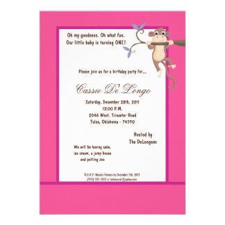 la fiesta de cumpleaños rosada del mono 5x7 invita comunicado personal