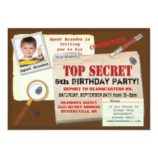 La fiesta de cumpleaños secretísima del espía del invitación 12,7 x 17,8 cm
