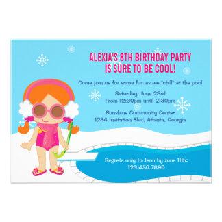 La fiesta en la piscina del invierno invita