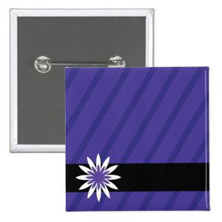 La flor púrpura y blanca raya el botón chapa cuadrada 5 cm