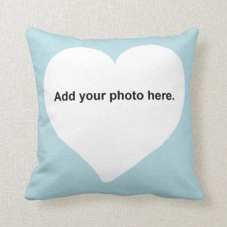 La forma del corazón añade su almohada de la foto