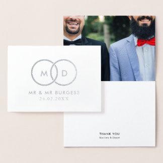 La foto de encargo del boda gay moderno de los tarjeta con relieve metalizado