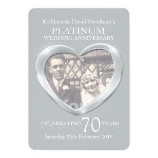 La foto del corazón del boda del platino 70 años invitación 12,7 x 17,8 cm