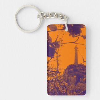 La foto más alta más vieja del naranja del faro de llavero