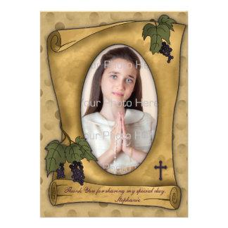 La foto religiosa del moreno de la voluta del perg invitación