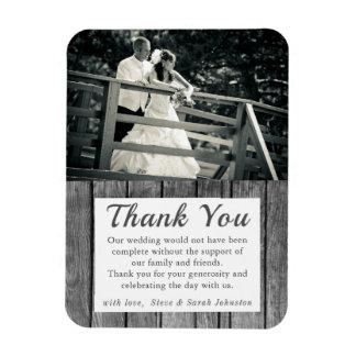 La foto rústica del boda le agradece imán