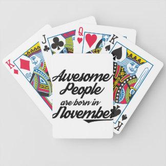 La gente impresionante nace en noviembre baraja de cartas bicycle