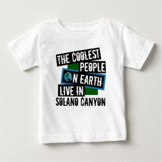 La gente más fresca en la tierra vive en el camiseta de bebé