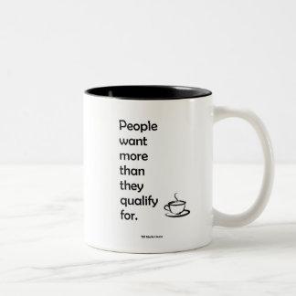 La gente quiere la taza de café