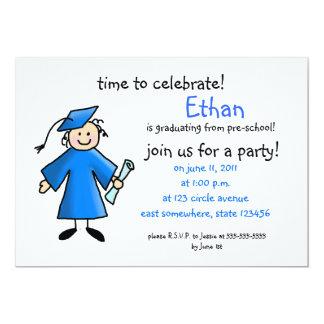 La graduación del preescolar invita--muchacho, invitación 12,7 x 17,8 cm