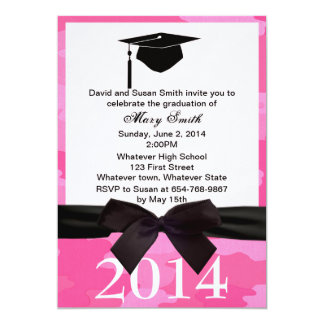 La graduación negra del camuflaje del rosa de la invitación 12,7 x 17,8 cm