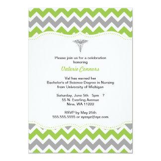 La graduación verde y gris de la enfermera de invitación 12,7 x 17,8 cm