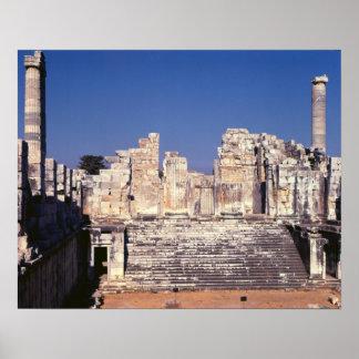 La gran escalera del templo de Apolo Póster
