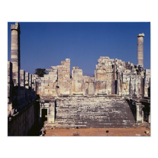 La gran escalera del templo de Apolo Poster