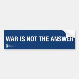 La guerra no es la pegatina para el parachoques de