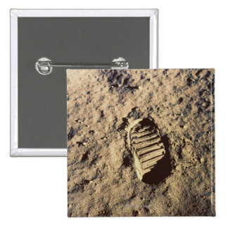 La huella del astronauta pin