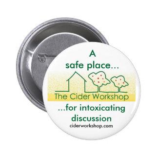 La insignia del botón del taller de la sidra