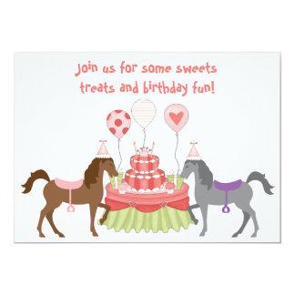 La invitación bonita del cumpleaños del caballo de