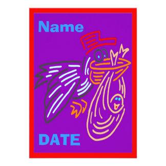 La invitación del bebé corrige el nombre colores