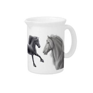 La jarra frisia orgullosa del caballo