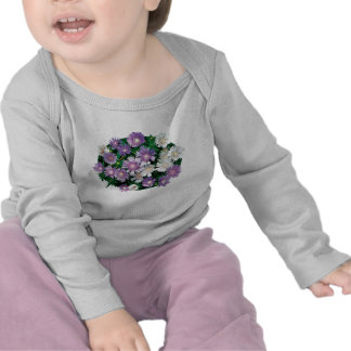 La lavanda y el blanco alimenta a niños de los camisetas