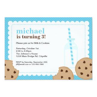 La leche y el azul y Brown de las galletas invitan Invitación 12,7 X 17,8 Cm