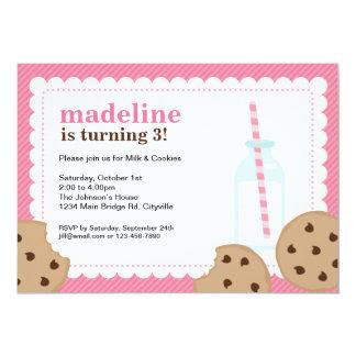 La leche y el rosa y Brown de las galletas invitan Invitación 12,7 X 17,8 Cm