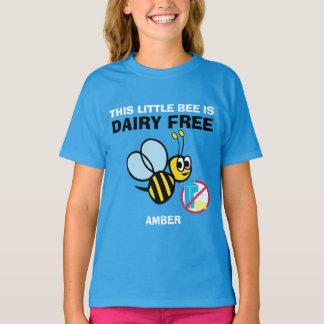 La lechería personalizada manosea libremente la camiseta