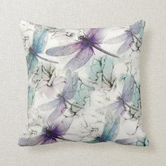La libélula soña la almohada