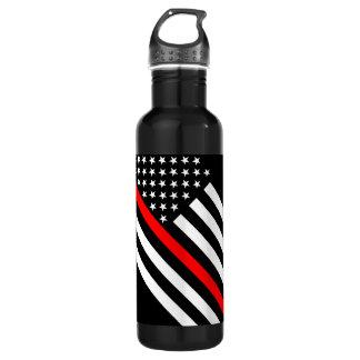 La línea roja fina bandera blanco y negro de los botella de agua