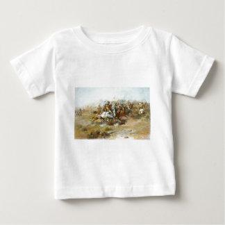 La lucha de Custer de Charles Marion Russell Camiseta Para Bebé