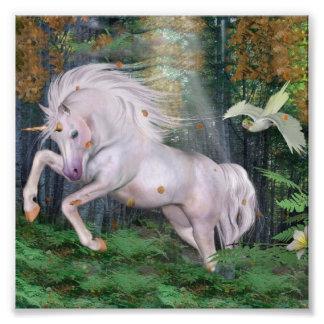 La magia de madera del bosque del unicornio arte fotográfico