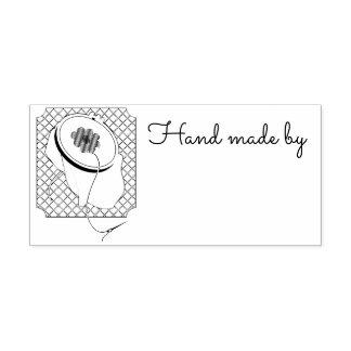 La marca del fabricante para coser