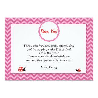 La mariquita le agradece cardar Chevron rosado Invitación 12,7 X 17,8 Cm