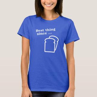 La mejor cosa desde la camiseta cortada del pan
